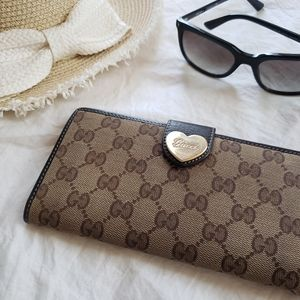 Auth Gucci Canvas Monogram Leather Wallet
